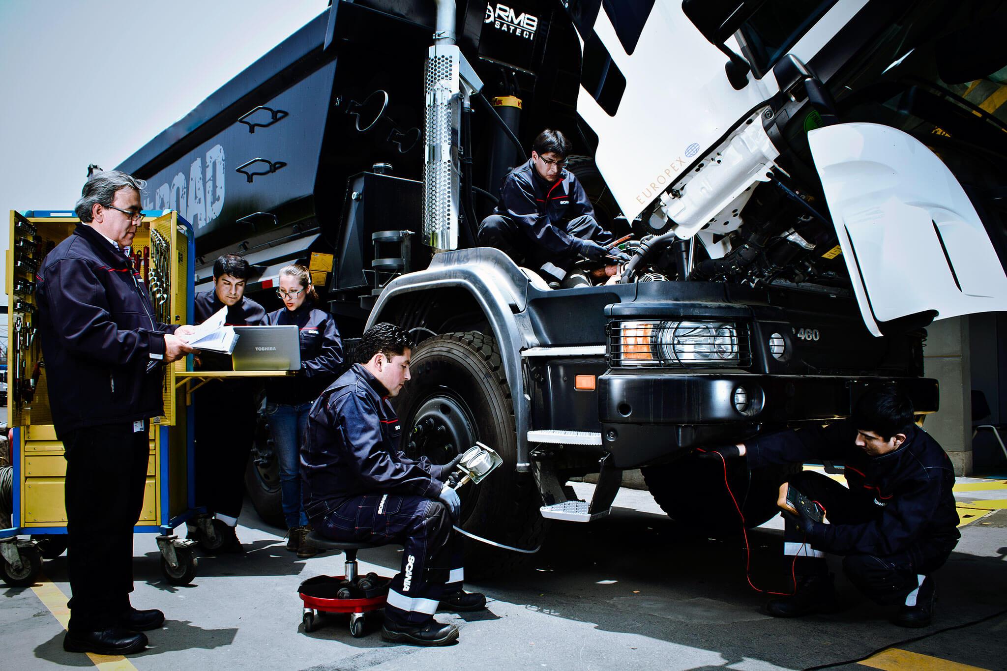 truck mobile mechanic repairs